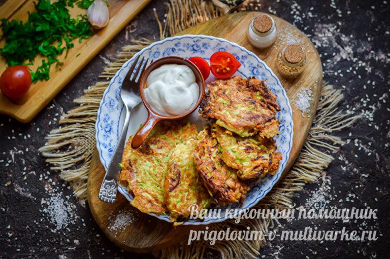 Запеченные кабачки с колбасой и сыром | Фоторецепт с ...